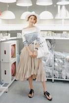 WITH IPUN skirt