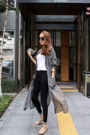gray oversized long WHITE FOX shirt