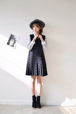 navy JUSTONE dress
