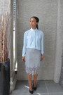 Light-blue-twik-blouse-silver-lace-forever-21-skirt