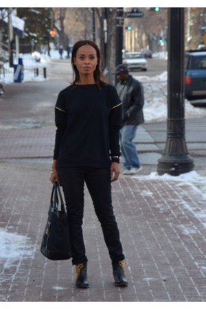 black cotton Forever 21 sweater
