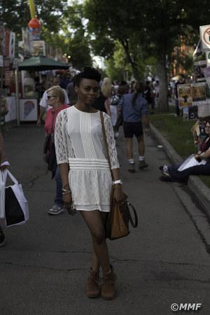 suede Dollhouse shoes - off white lace H&M dress