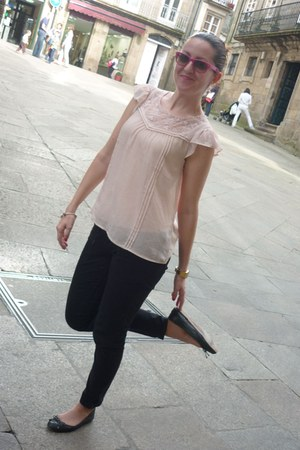 pink H&M blouse - black Pepe Jeans pants - black Uterqe flats - silver Pandora b