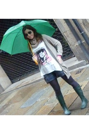 green Pepe Jeans boots - pink pull&bear scarf - denim Massimo Dutti shorts - Ray