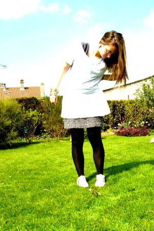 Oysho t-shirt - Zara skirt - H&M shoes