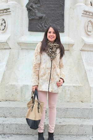 black Zara bag - light pink Pull and Bear coat - camel H&M scarf