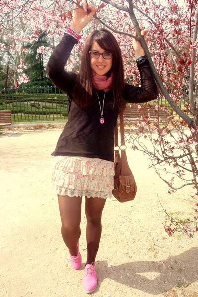 BLANCO necklace - Rebelde shoes - Zara dress - maximo dutti sweater