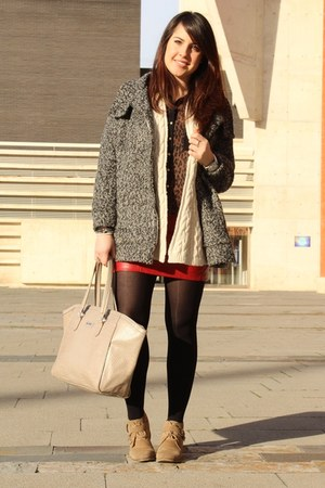 red Stradivarius skirt - heather gray Shana coat - black Stradivarius shirt