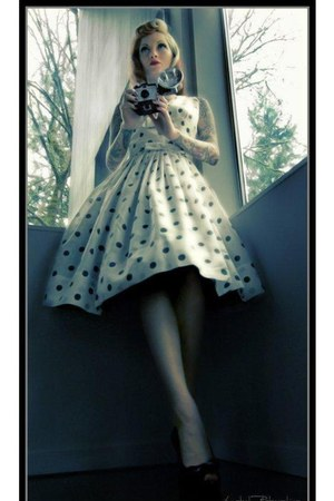 white Dixifried dress - black petticoat leg avenue skirt