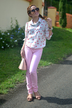 pink Marshalls jeans - white kisses AHAISHOPPING shirt - pink Tignanello bag