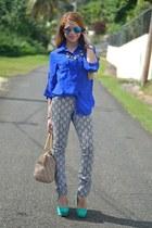 blue 579 shirt - camel DKNY bag - black True Freedom pants