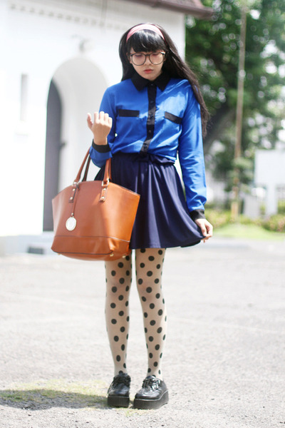black creepers shoes - blue cobalt shirt - polka dots tights - tawny Zara bag