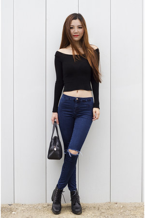 black off shoulder brandy melville top - black leather Steve Madden boots