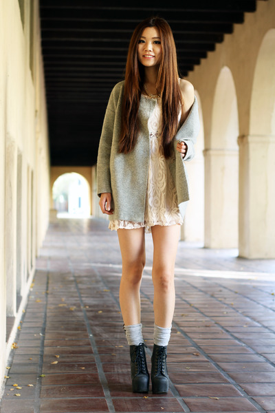peach lace Forever 21 dress - heather gray soft free people jacket