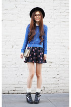 blue loose Forever 21 sweater - black cut out Topshop boots - white Zara shirt