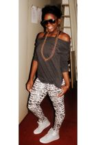 Forever 21 shirt - American Eagle glasses - H&M earrings - Forever 21 tights - P