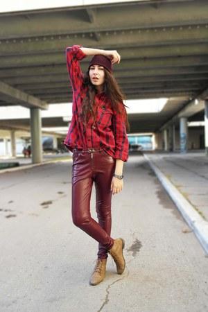 pull&bear boots - New Yorker hat - Wrangler shirt - H&M pants
