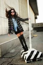 H&M shirt - Calzedonia socks