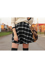 Mango-sweater-zara-bag-calzedonia-socks-new-yorker-skirt