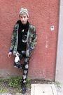 Green-vintage-jacket-black-april-77-jeans-black-whats-inside-you-t-shirt-g