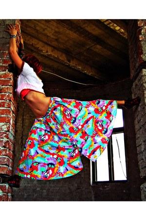 Second hand Skirt skirt - Handmade top top - H&M Sneakers sneakers