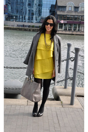 Zara dress - H&M coat - Fendi bag - House of Harlow 1960 sunglasses