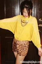 WAGW shorts - gold WAGW necklace