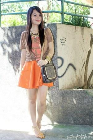Extreme finds bracelet - brown old artwork shirt - orange Bubbles skirt