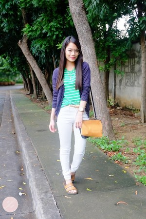 white Mango jeans - v-neck Fred Perry shirt - Love Eyecandy bag