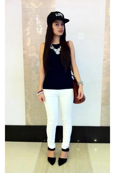 black snapback Yhansy hat - white Mango jeans - brown Louis Vuitton bag