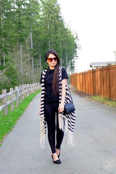 black H&M bag - cat eye zeroUV sunglasses
