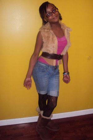 fur vest no brand vest - Ugg boots - DKNY jeans - justice top