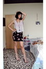 Black-aritzia-skirt-gray-wilfred-top-beige-jeffrey-campbell-shoes-black