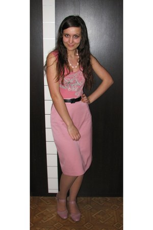 pink shoes - pink skirt - salmon Roxy t-shirt - light pink necklace