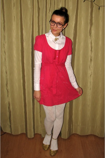 hot pink thrifted eyelet dress - white Vero Moda shirt
