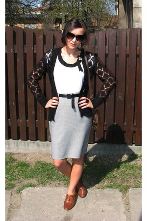 white skirt - black thrifted GINA TRICOT cardigan - white Atmosphere top - bronz