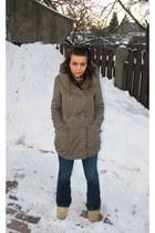 beige Ugg boots - blue thrifted flared Gsus Sindustries jeans - dark khaki parka