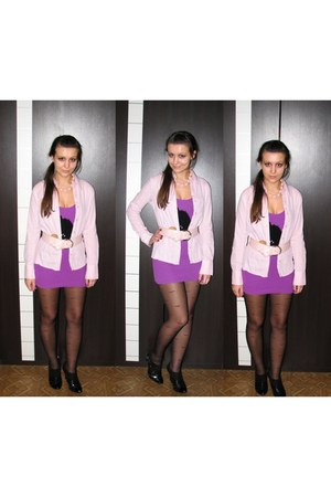 black Charles & Keith boots - black tights - light pink necklace - light pink be