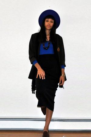 bright blue liz claiborne hat