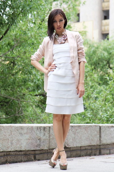 White Rina Scimento Dresses, Light Pink H&M Blazers, Beige Sam ...