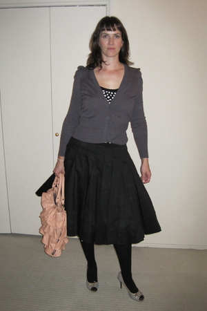 black undeuxtrois skirt - black Target tights - gray Nine West shoes - black Man