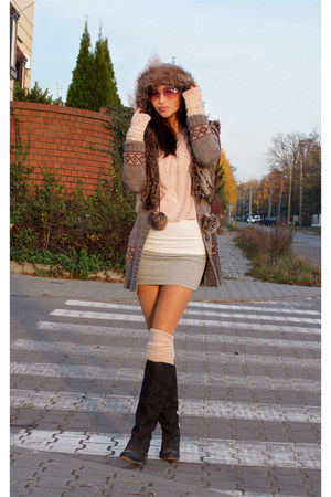 light pink H&M gloves - black asos boots - bubble gum Ray Ban sunglasses