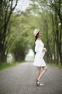 White-zara-dress-tan-aldo-hat-white-guess-sandals
