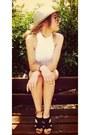 Zara-pants-united-colors-of-benetton-blouse