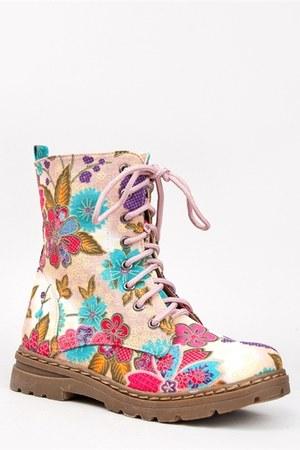 Nature Breeze boots