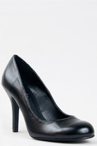 black Paprika pumps