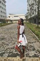 ZuluObanorcom belt - dress - box bag bag - H&M necklace - flats - earrings