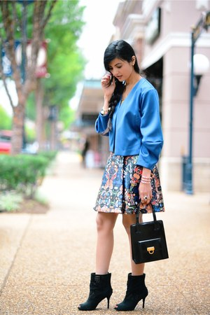 Bomber jacket jacket - Salvatore Ferragamo bag - Alice Olivia skirt