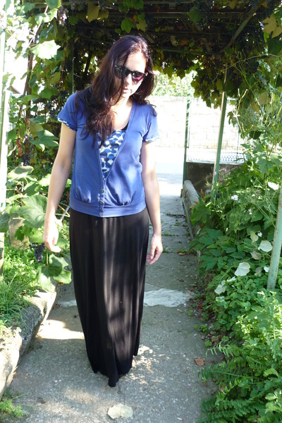 blue Secondhand t-shirt - black maxi dress H&M dress - black floral sneakers