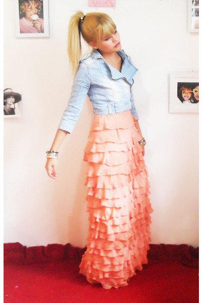 peach Laysa Rosa dress - light blue carrefour jacket